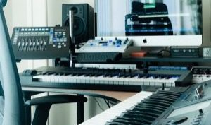 Studio-MUSIC-2018-300x177